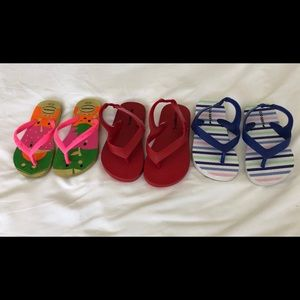 Lot of toddler sandals.